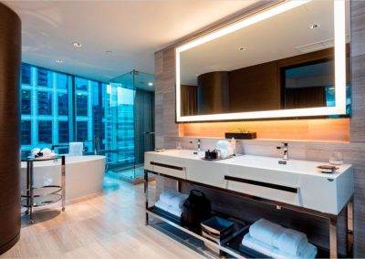 1151-w-georgia-1400x0_grand_deluxe_one_bedroom_master_bath_09-1658